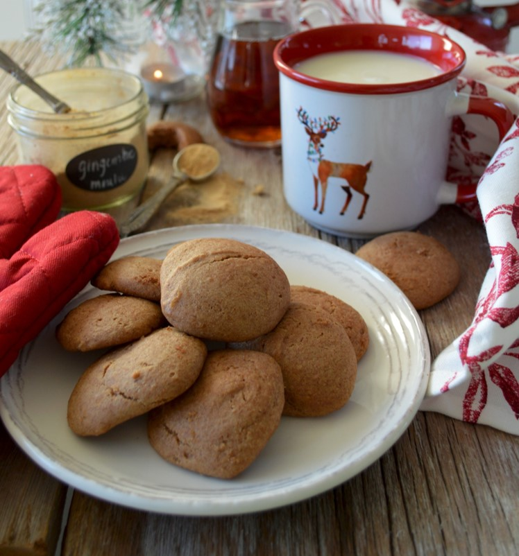 Tender molasses cookies with maple sugar
