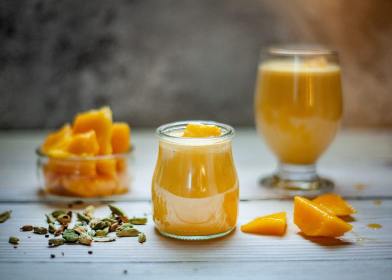 Mango pudding perfumed with maple syrup (diabetes)