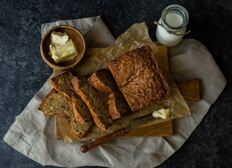 Maple-banana bread with flax