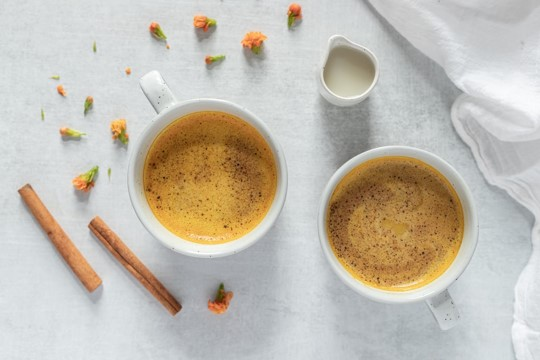 Creamy turmeric and maple syrup latte