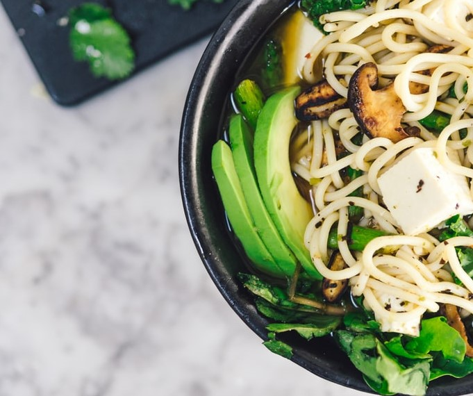 Tofu noodles with vegetables and maple sauce