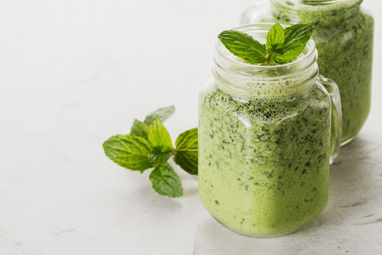 Maple and mint green smoothie